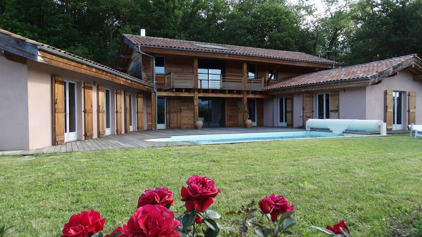 Maison INTZA -  5 étoiles - Ispoure - Hus