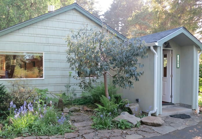 Cottage by Botanic Preserve   - Yachats - House
