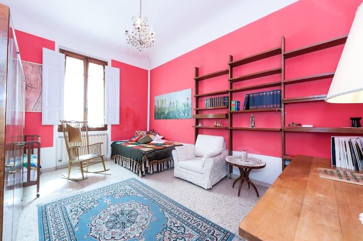Elegant apartment in Florence