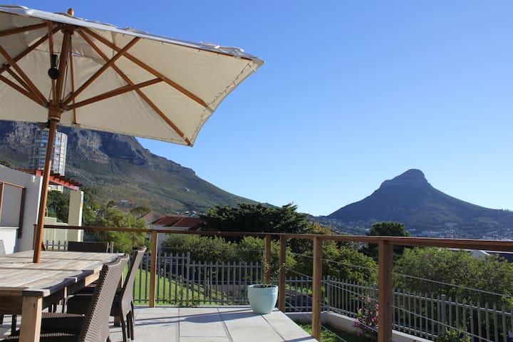 Beautiful 3 Bedroom Vredehoek Home - Città del Capo - Casa