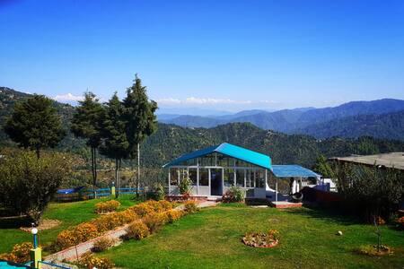 Mukteshwar Orchard Stay - Family Suite (Sunbird)