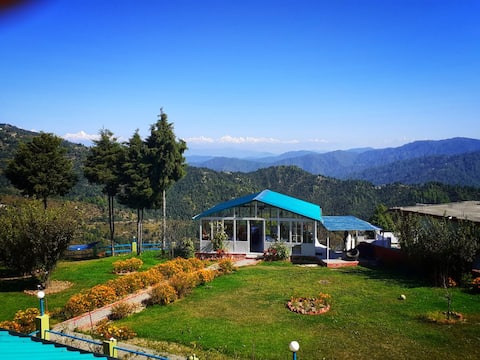 Mukteshwar Orchard Stay - Family Suite (Sunbird)