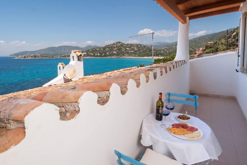Blue room: Private balcony