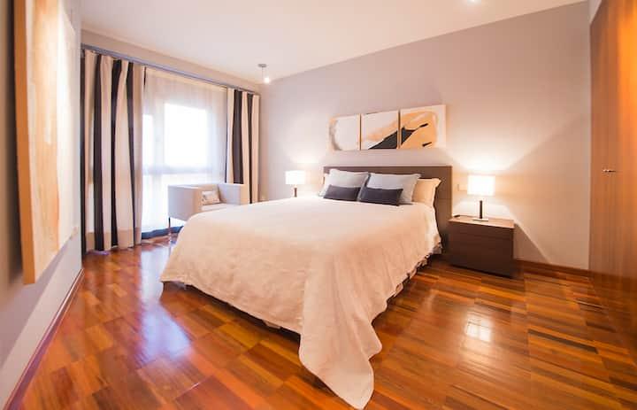 Toledo, apartamento exclusivo. Visita Puy du Fou