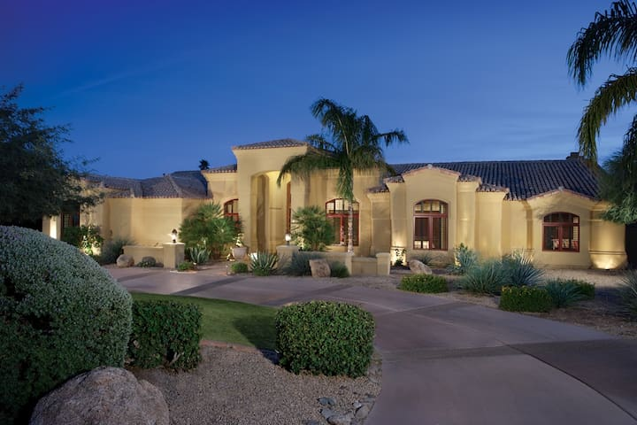 5 Bdrm Resort Style Home 10+ Guests - Paradise Valley - Dom