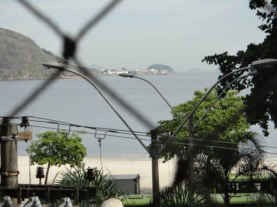 Vista da Praia de Icaraí e Baía da Guanabara e Fortaleza de Santa Cruz