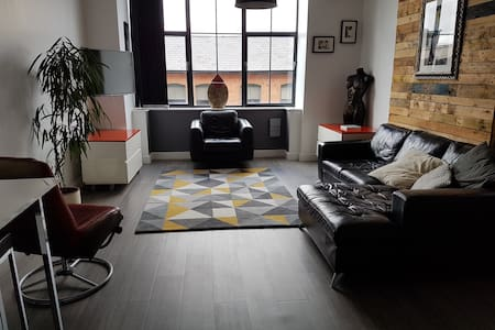 Central Birmingham loft style apartment