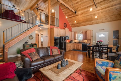 Spacious Modern Cabin Close to Leavenworth and Outdoor Fun