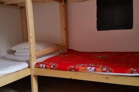 猴赛雷1/4床位房,免费接送LeFengHostel - Jinzhong - Condominium