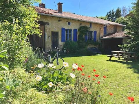 Dům z 18. století ve venkovské Francii