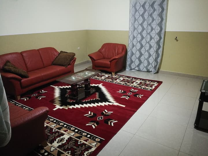 Modernly furnished 3BR Condo for famlies, couples
