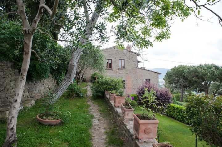 Casa Nigra in Cortona center with panoramic view
