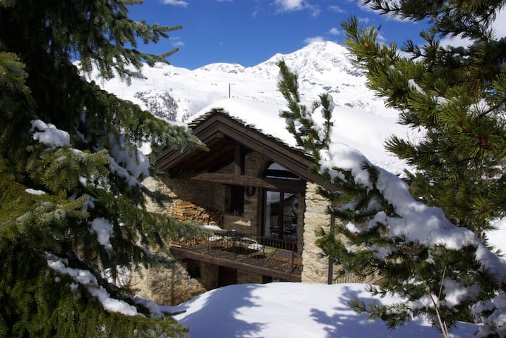 Val d'Isere Tignes spacious Chalet sleeps up to 14 - Val d'Isere - Casa