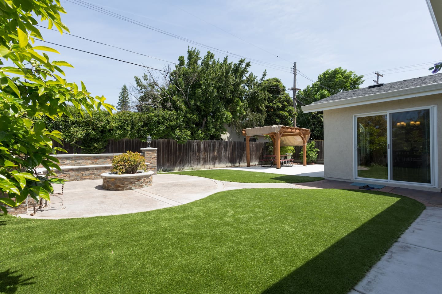 Large private back yard with a lot of space to enjoy and relax