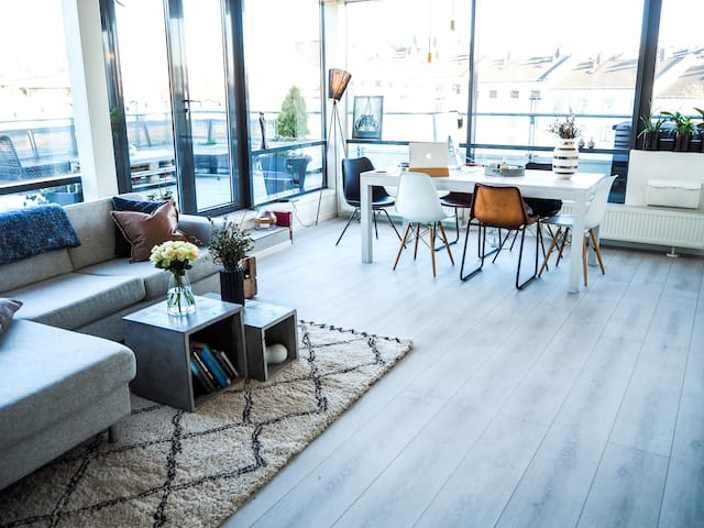 Central penthouse w/60 sq.m PRIVATE rooftop - Oslo - Pis