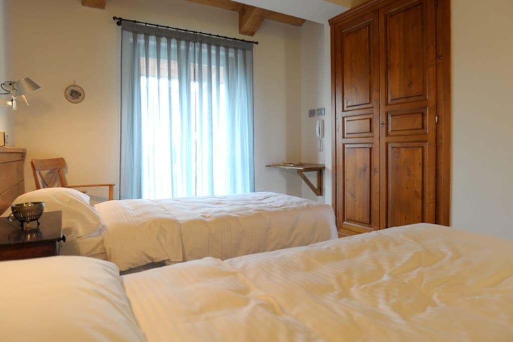 Room with tween beds