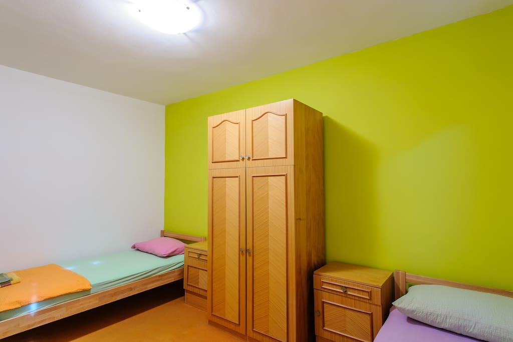 4) Triple room
