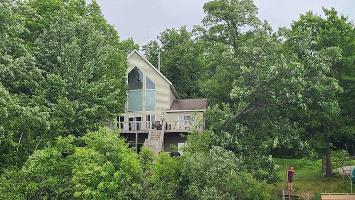 Large lake home on Beautiful Little Birch Lake