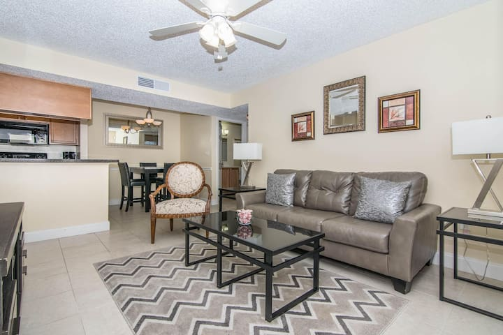 2nd Floor 2 Bedroom 2 Bath Condo