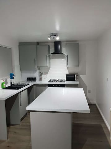 Beautiful 3 bed Accommodation  Home away from home