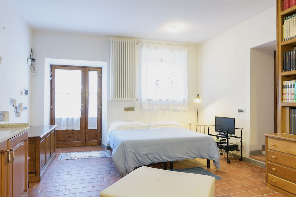 Monolocale flats for rent in san firenze fonte di sala for Aggiunta stanza indipendente