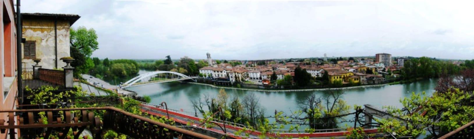 """B&B """"la finestra sul fiume"""" - Vaprio D'adda - Bed & Breakfast"""