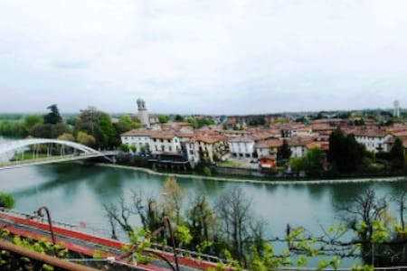 "B&B ""la finestra sul fiume"" - Bed & Breakfast"