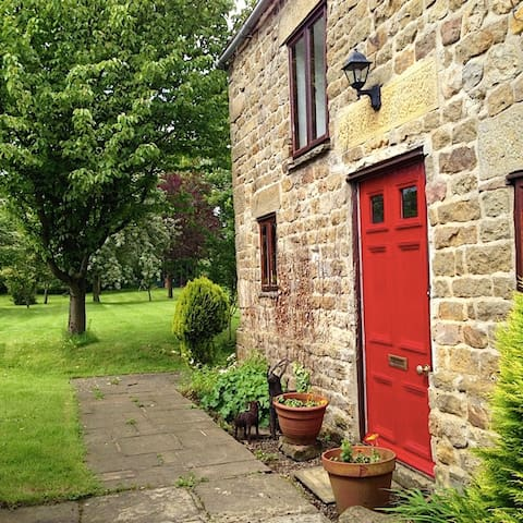 Historic Yorkshire Dales cottage  - Masham - Hus