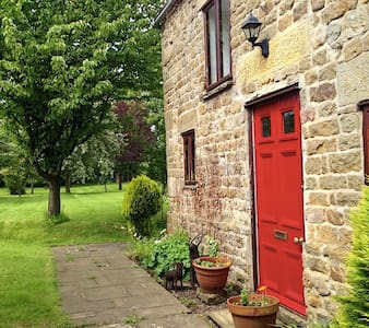 Historic Yorkshire Dales cottage  - Masham