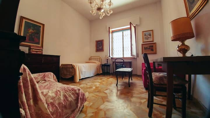 """Campo di Marte"" - Bright, Confortable Single Room"