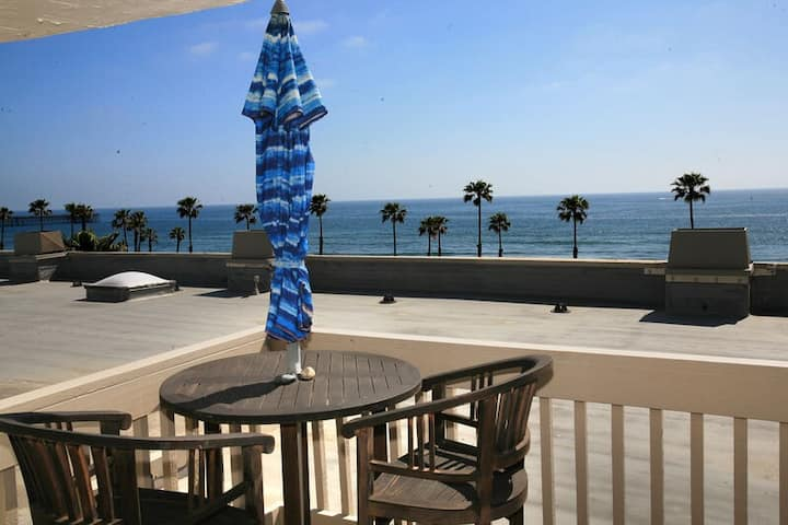 **New Listing**SPACIOUS 2 Bdrm-Penthouse-Fabulous OCEAN VIEW-A304-Sail Away Stay