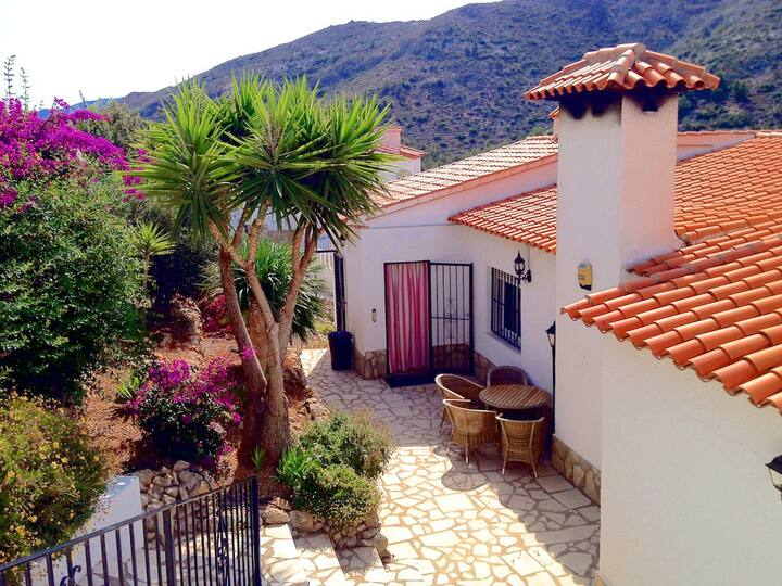 Beautiful Villa for families in Pedreguer Alicante