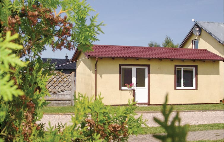Holiday cottage with 1 bedroom on 33m² in Wierzchucino