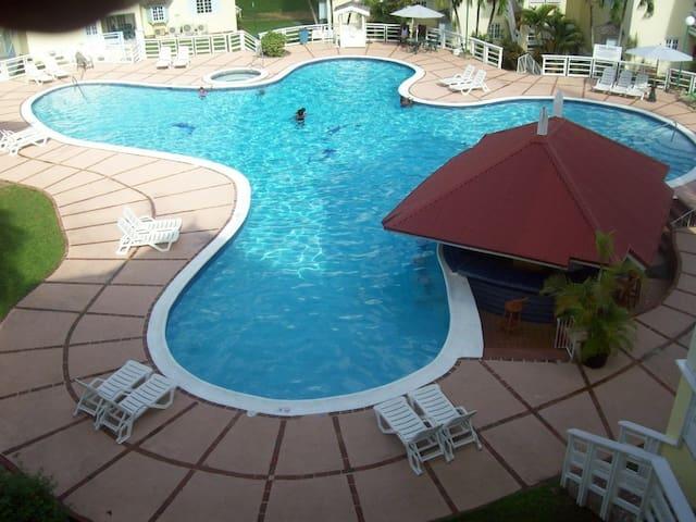 Luxury Penthouse with pool jacuzzi