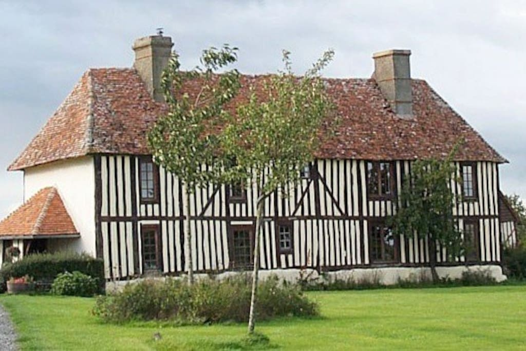 Bed breakfast in 16th manor house chambres d 39 h tes for Chambre d hotes basse normandie