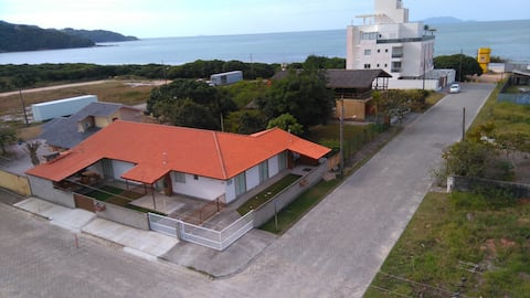 Casa para 7 pessoas a 70 m da praia