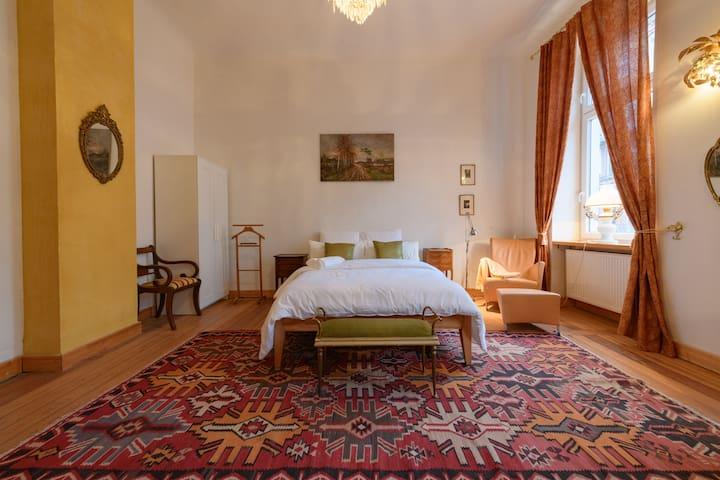 5 Zimmer Jugendstil Wohnung in Zentrum