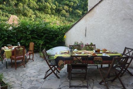 Chambres d'hôtes Au Nid des Thés - Brantôme - Oda + Kahvaltı