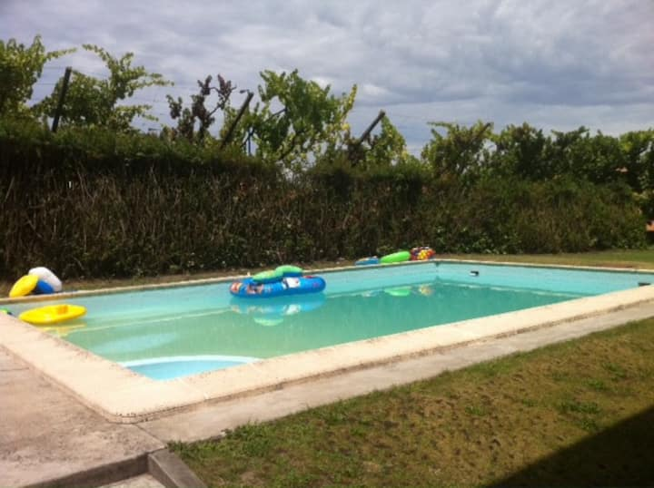 Big House & Pool 20min from Porto!