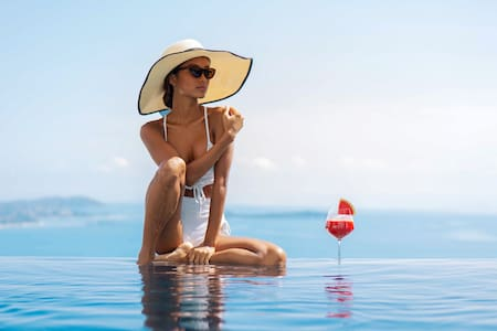 VILLA COCO II   Sea Views-Pool-Freedom & Service