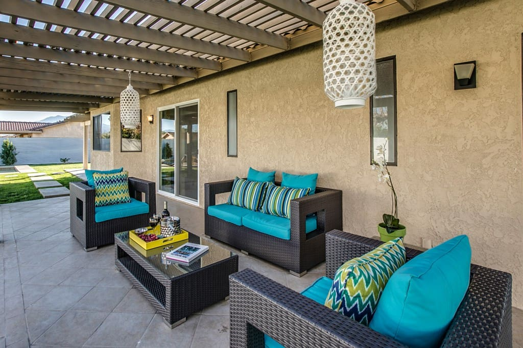 KITCHEN PATIO - THE RAD PAD - PALM SPRINGS VACATION RENTAL POOL HOME