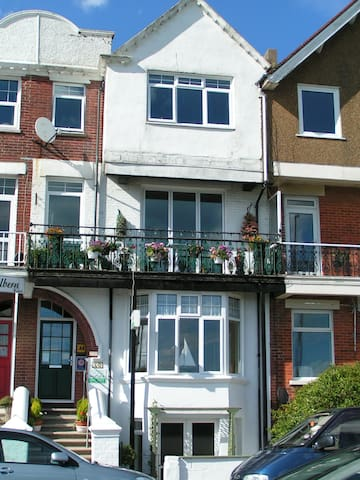 Racing Greens Beach Apartment - Littlehampton - Apartament