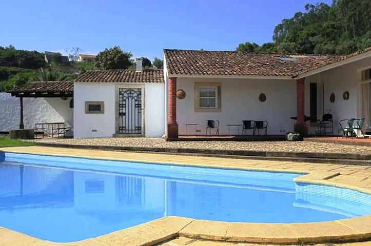 4 bedrooms villa – private pool - Rio Maior - Huis