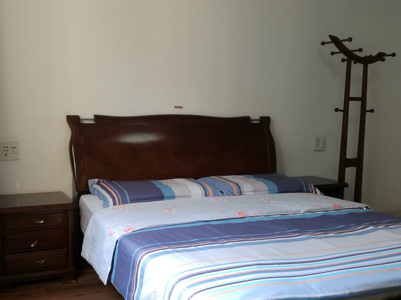 温馨主卧 1.5m大床房