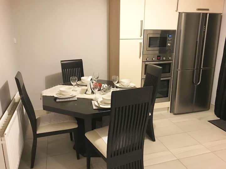 Dublin Blanchardstown Self Catering 3 Bed House