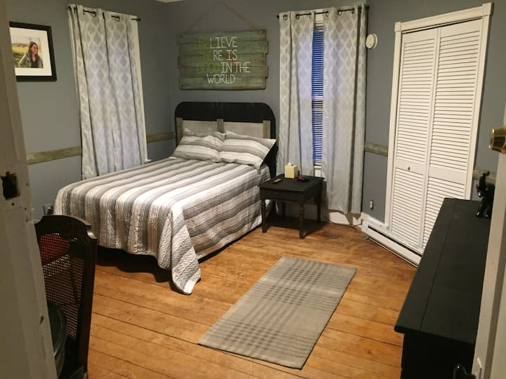 Spacious Guest Suite minutes from the CT River