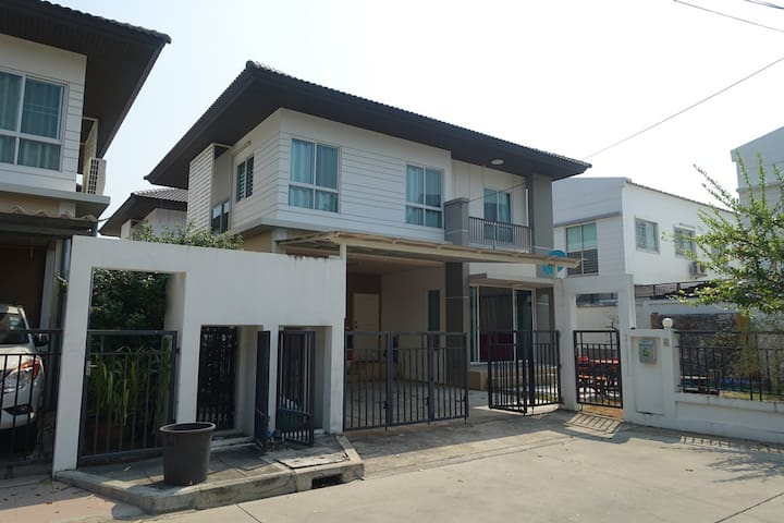 House 3BR for rent near IKEA Mega Bangna - Banguecoque - Casa