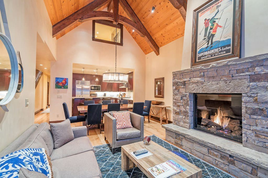 Courcheval B - Open concept with comfortable, modern seating