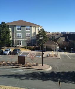 cozy apartment in a safe community - Colorado Springs - Apartamento