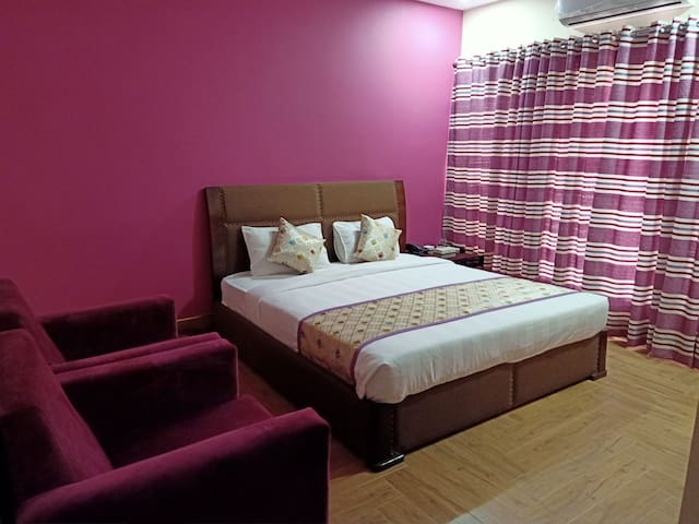 Family Accommodation AlBurhan Express Hotel Lahore